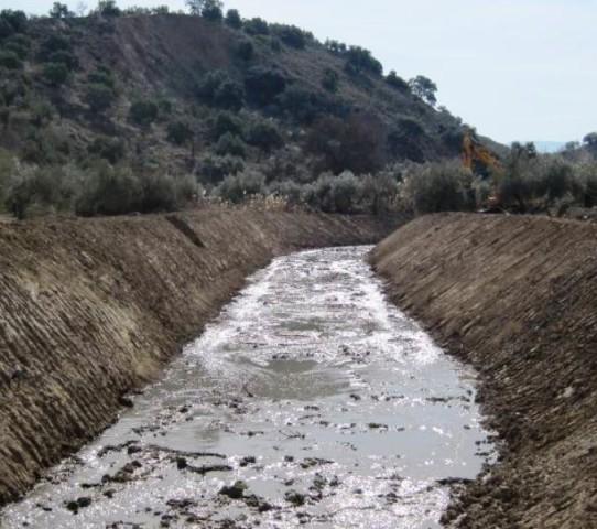 La Confederación del Guadalquivir restituye 7 kilómetros del arroyo ... - iAgua.es