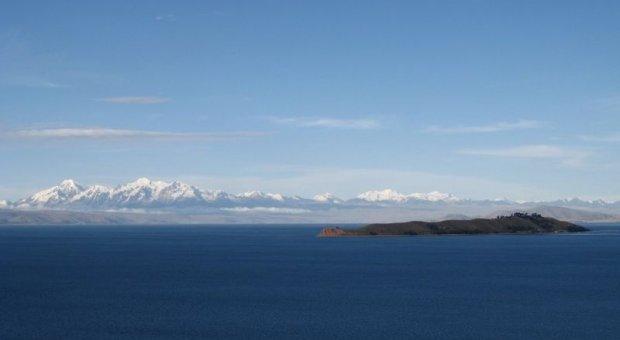 Las aguas residuales municipales sin tratar están perjudicando al lago Tititcaca