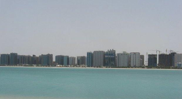 Abengoa desarrollará una planta piloto de desalación en Abu Dhabi
