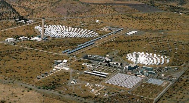UNED y CIEMAT demuestran la viabilidad técnica del prototipo de la planta solar de Almería que produce hidrógeno a partir de agua