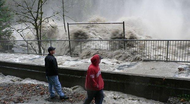 ¿Por qué los gobiernos deben hacer frente a los riesgos crecientes relativos al agua?
