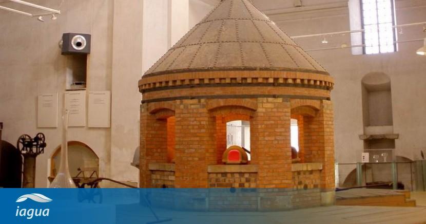 La exposici n la esfera del agua en el centro nacional - Centro nacional del vidrio ...