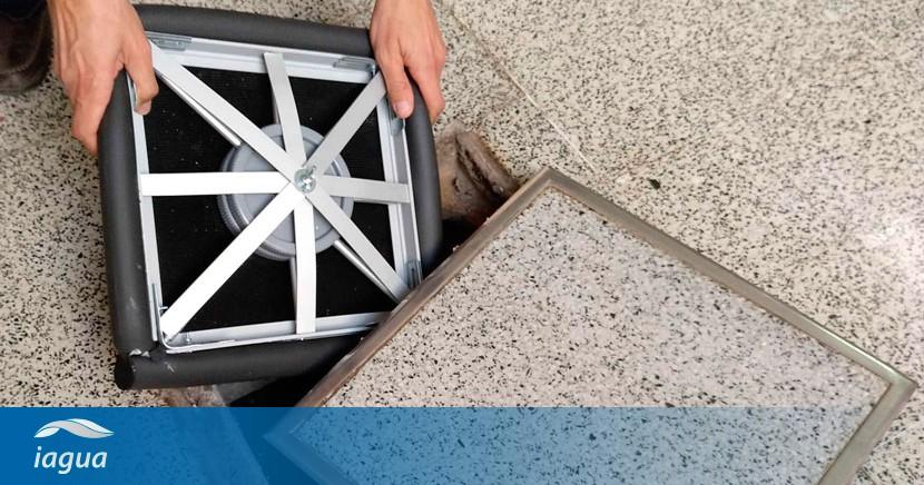 Patentada una tapa elástica que evita el escape de gases y los malos olores de arquetas y pozos