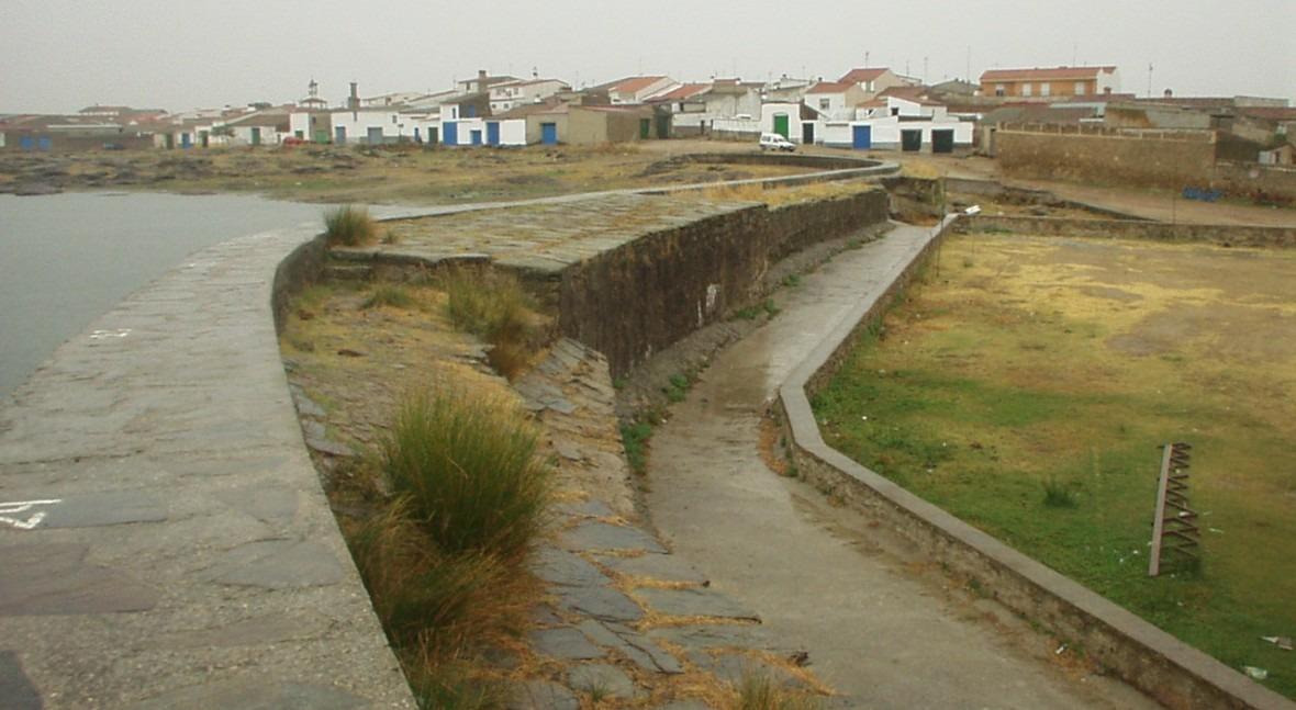 Presa Charca Arroyo De La Luz
