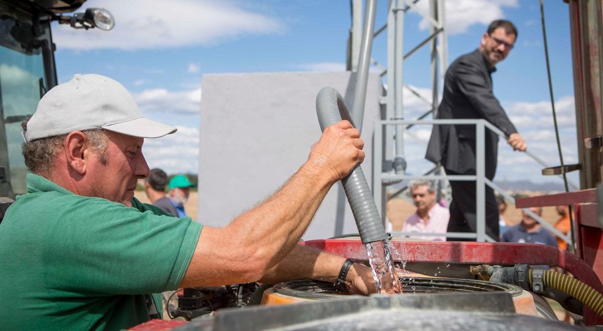 Burjassot y Aguas Valencia crean sistema digital llenado agua regantes