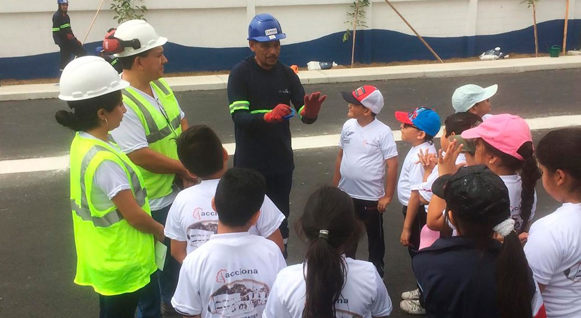 ACCIONA muestra EBAR Pradera escolares zona