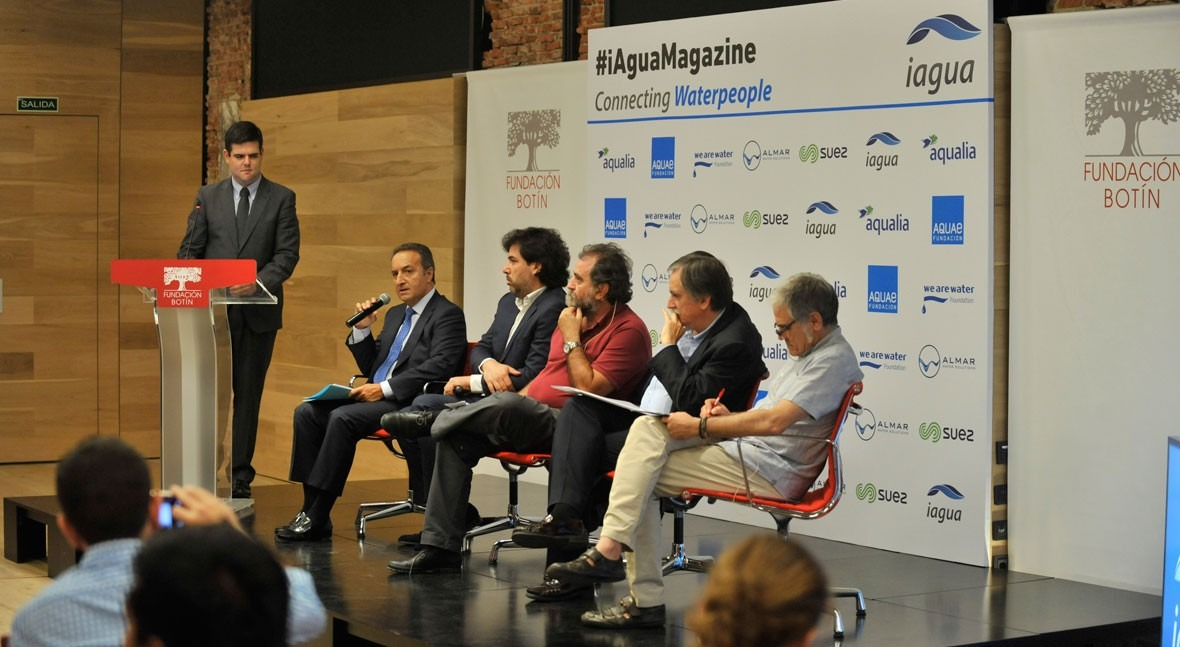 José Carbonell reclama organismo regulador independiente y profesional sector agua