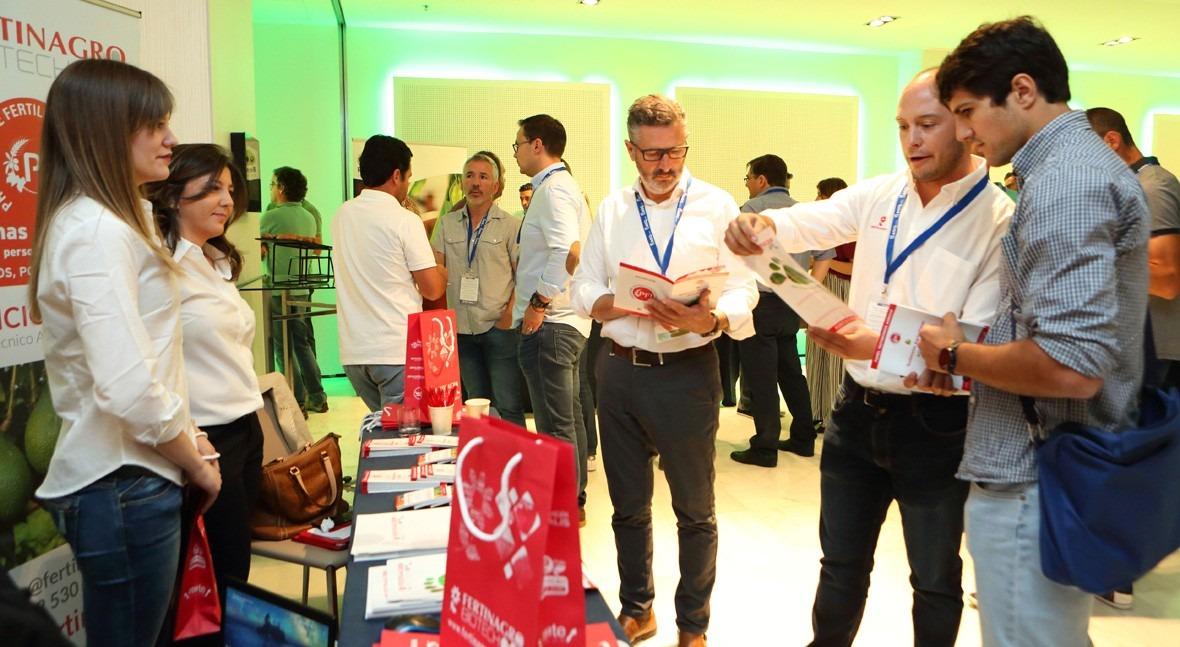 Éxito absoluto asistencia al Primer Seminario Internacional Aguacates España