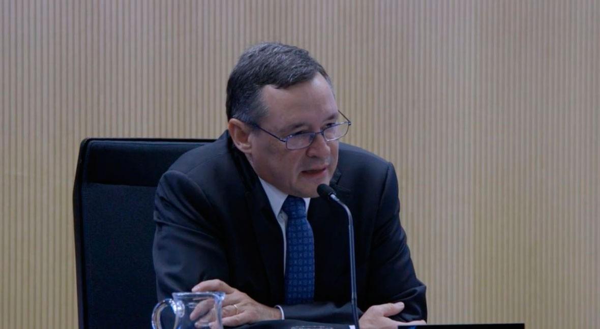 """Angel Simón: """"Es importante crear único regulador sector agua"""""""