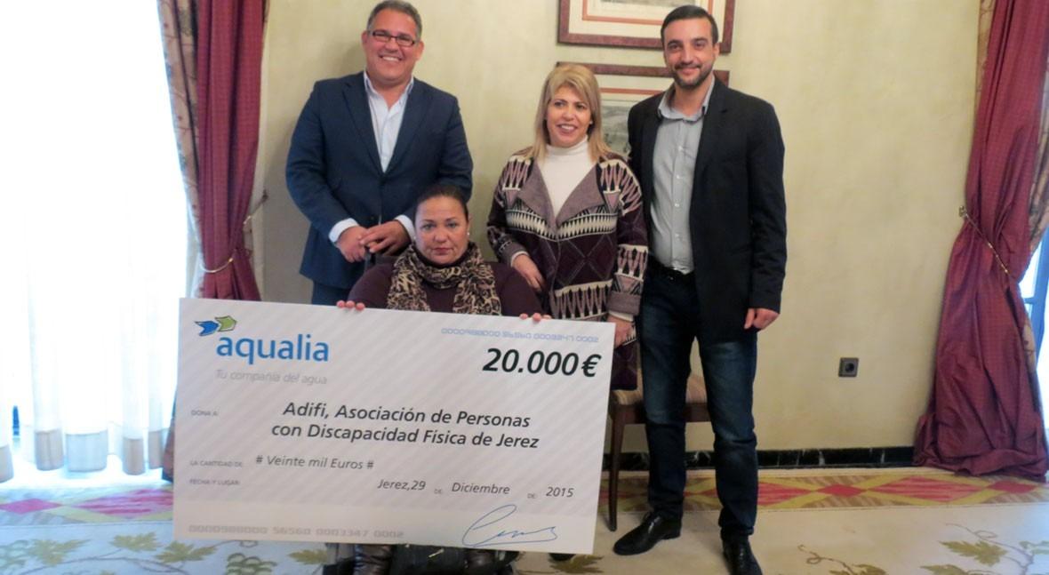 Aquajerez colabora Asociación Personas Discapacidad Física Adifi