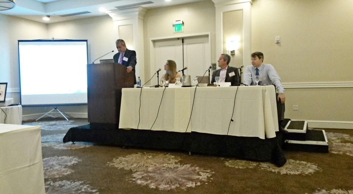 Mr. Robert Puente de SAWS durante su presentación en el II California Water Summit.