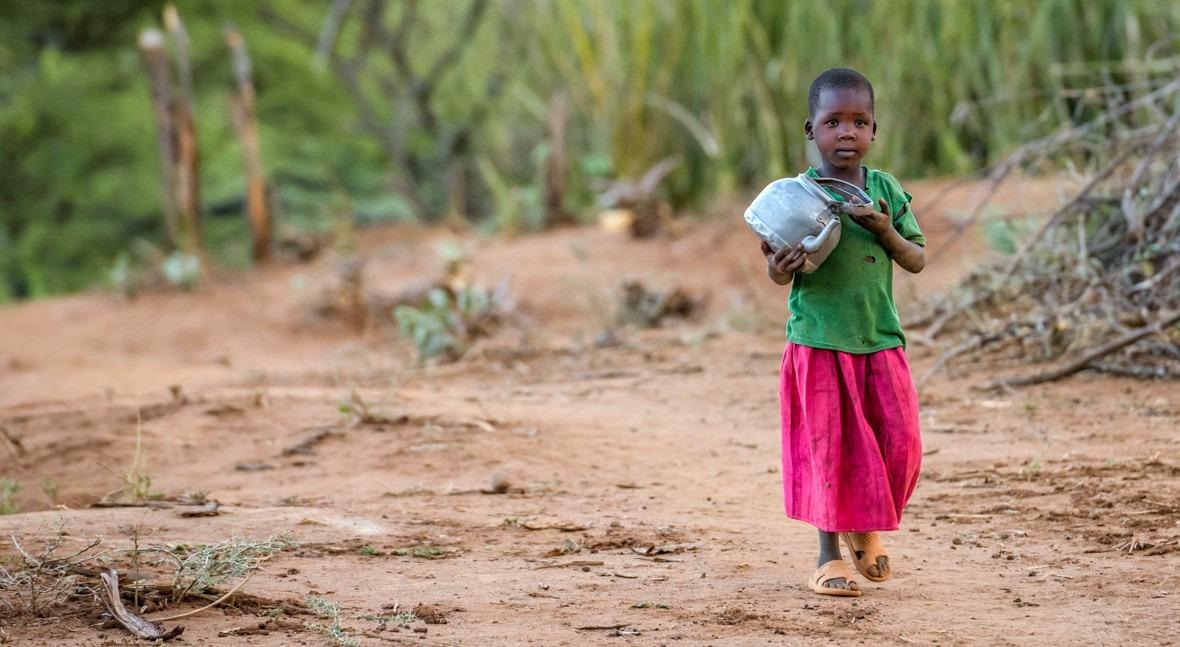 Se buscan corredores llevar agua Uganda