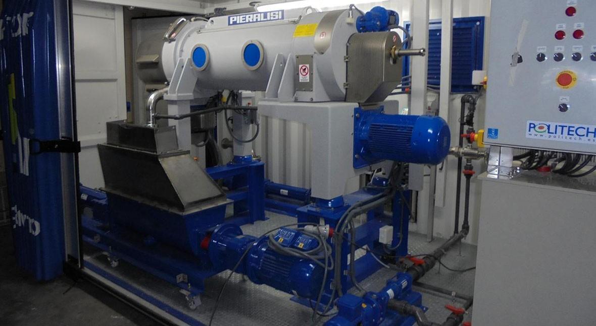 Solución portátil deshidratación lodos industria
