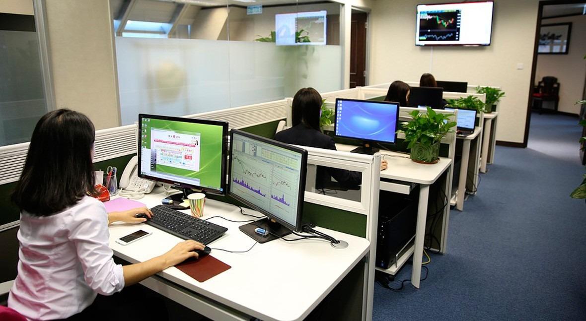 SUEZ crea primera red centros control contadores inteligentes Unión Europea