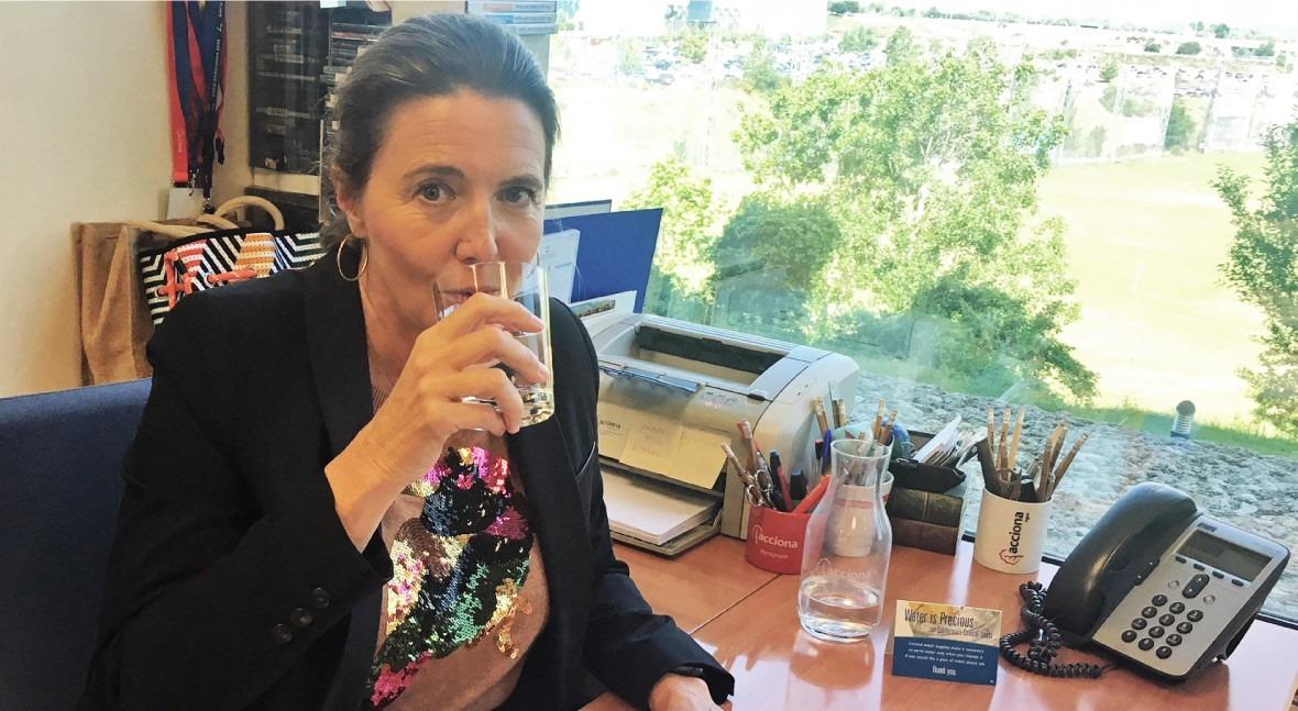 """Elena Reyna: """" futuro pasa inevitablemente realizar campañas favor agua grifo"""""""