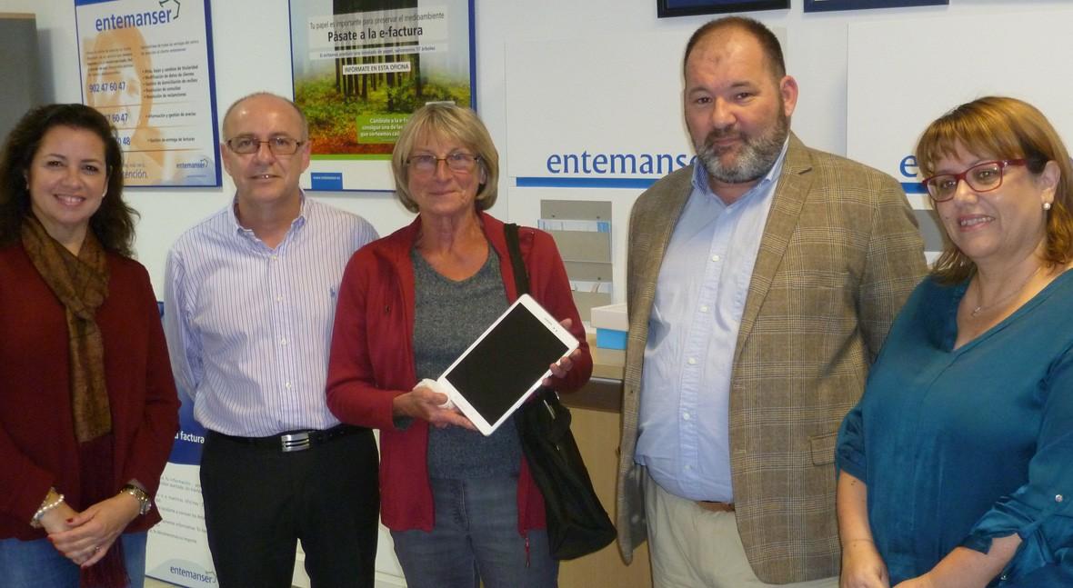 Segunda tablet que Entemanser entrega pasarse factura electrónica Aqualia
