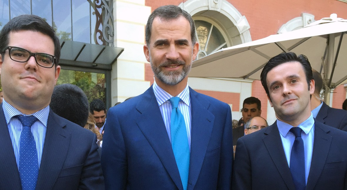 David Escobar y Alejandro Maceira, socios de iAgua, junto al Rey Felipe VI en el acto celebrado esta mañana.