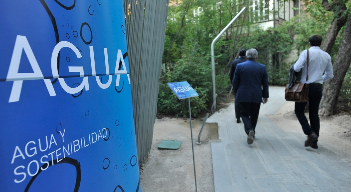 Reescribir contrato social agua, clave afrontar desafíos sector