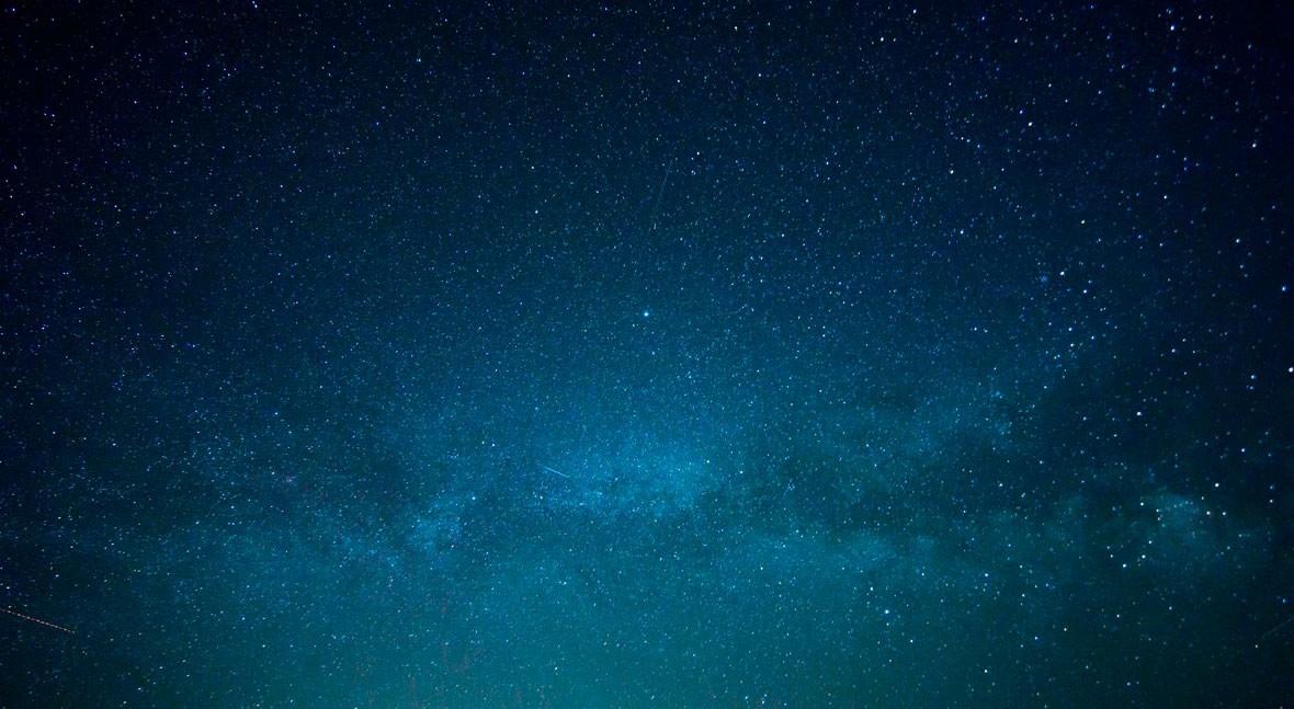 """""""Interstellar"""": través agujeros negros"""