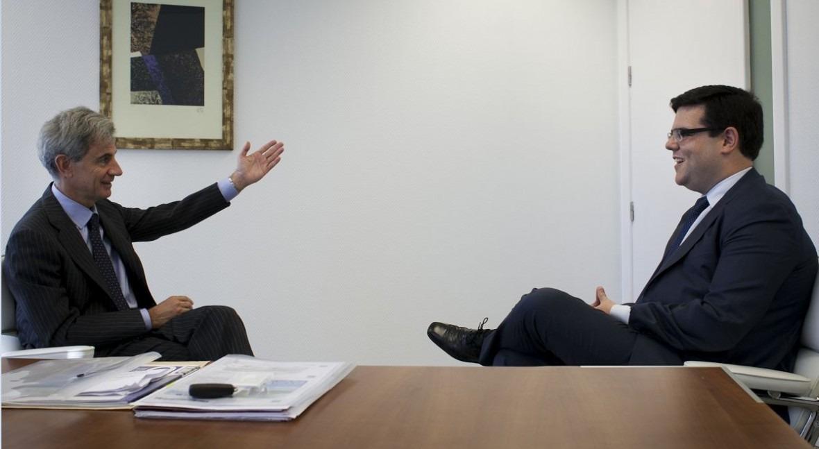 Juan Costa durante la entrevista con David Escobar (Fotografía: Guadalupe de la Vallina)