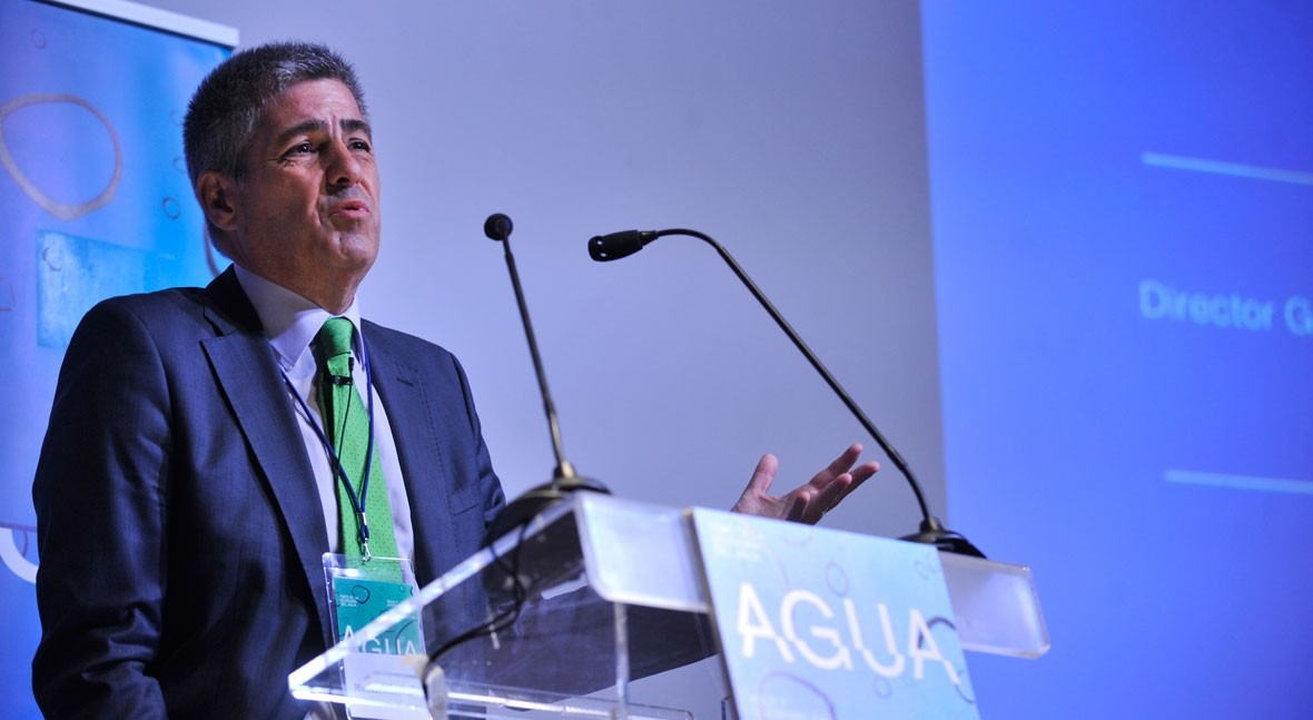 "Manuel Menéndez: "" planes hidrológicos deberían recoger contrato social agua"""
