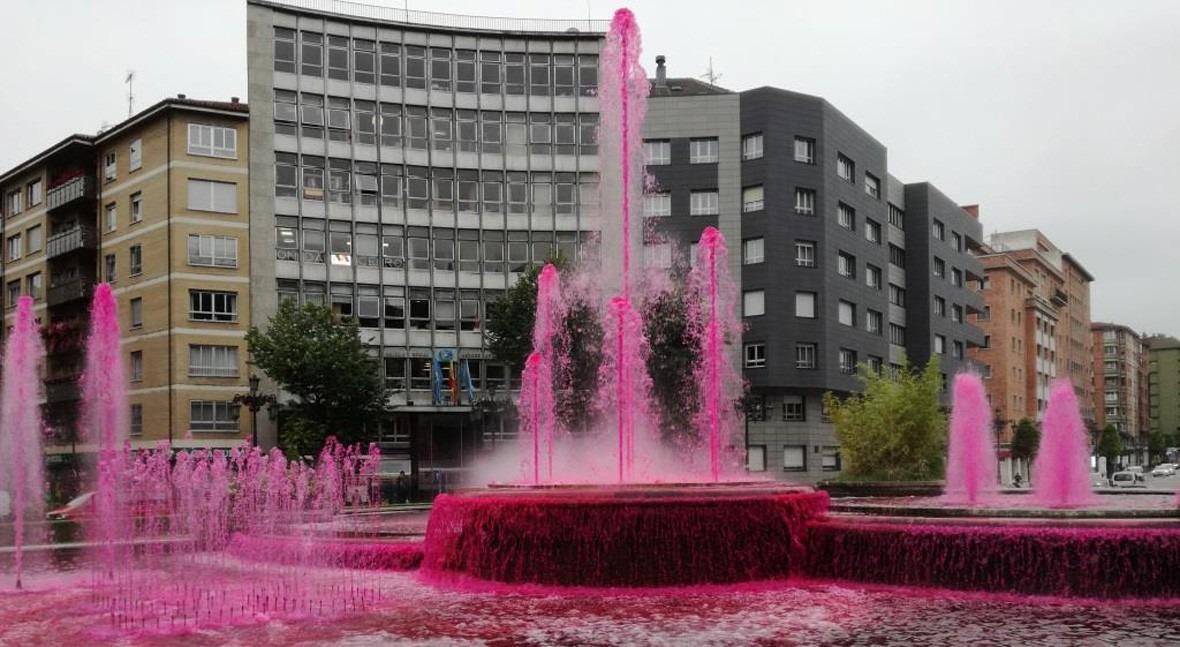 fuentes Oviedo se tiñen conmemorar Día Mundial Donante Sangre