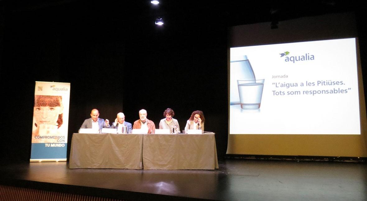 Aqualia reúne políticos y expertos debatir gestión agua Pitiusas