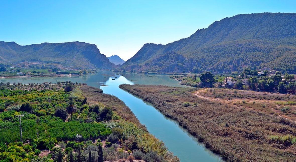 Comunicación hídrica 2.0: riadas 2012 y 2016 cuenca Segura