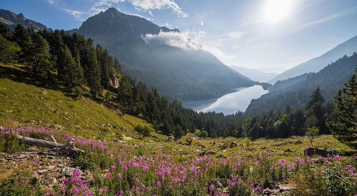 "Lago San Mauricio, agua ""encantada"" Pirineos"