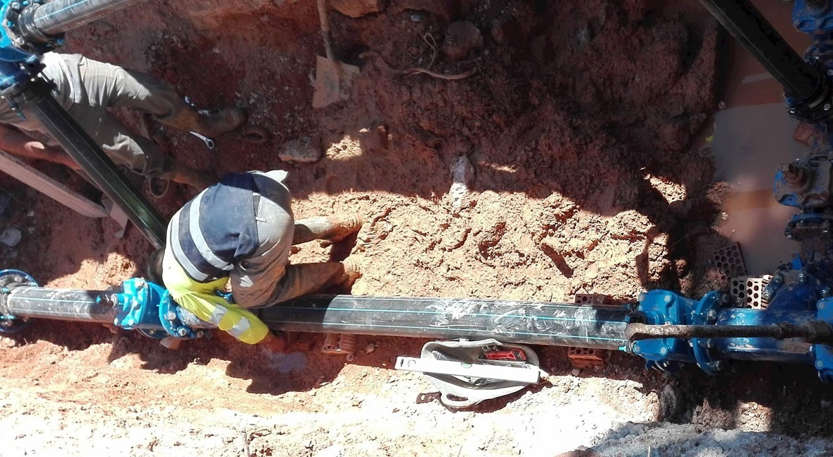 Concluye sectorización red tuberías agua polígono industrial Quart Poblet
