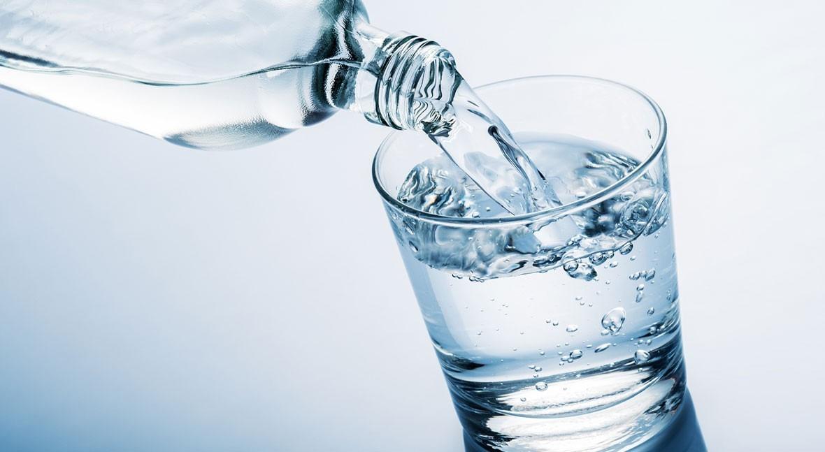 ¿Cuánta agua consumes al día?