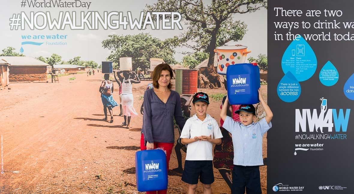 Miles personas se unen defender derecho al agua campaña #NoWalking4Water