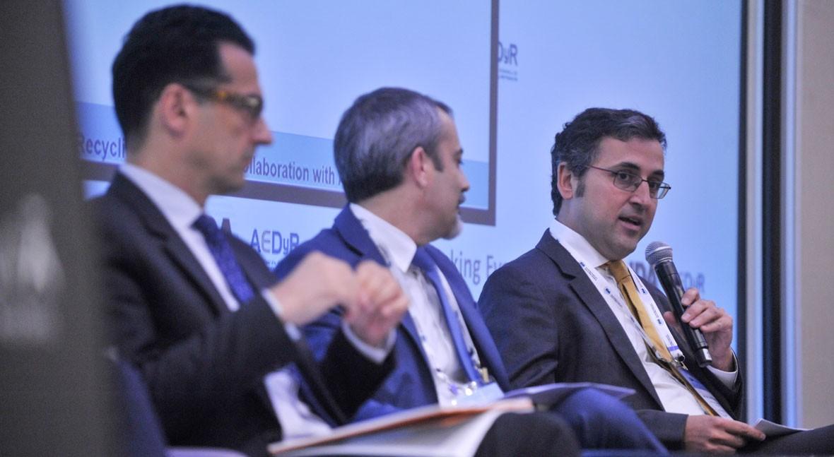 """Zael G. Sanz (Banco Mundial): """" agua no se valora términos económicos"""""""
