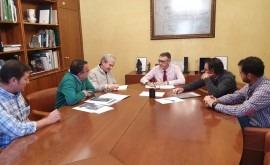 CHS y SAT Ojeado se reúnen analizar proyectos construcción tomas riego