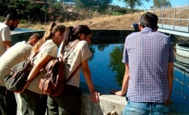 grupo alumnos programa Apendizext visitan EDAR Oliva Fronera