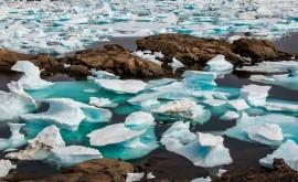 reacción cadena lagos fusión se extiende Groenlandia