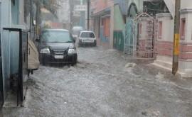 300 muertos y 6 millones afectados inundaciones India