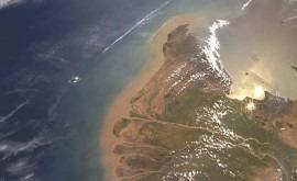 ¿Cómo afectan tormentas tropicales grandes deltas ríos?