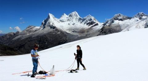 ¿ qué hay carbón negro glaciar Yanapaccha Cordillera Blanca?