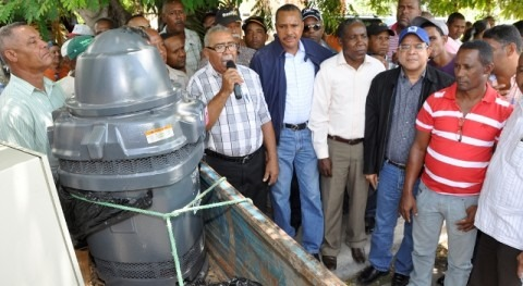 Instituto Nacional Recursos Hidráulicos Dominicana instala sistema riego bombeo Neiba