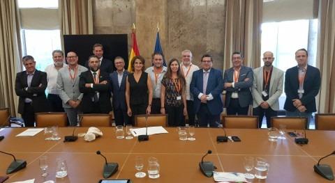 AEOPAS traslada ministra Ribera necesidad promover gestión pública agua