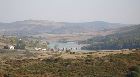 Embalse del Ebro (wikipedia)
