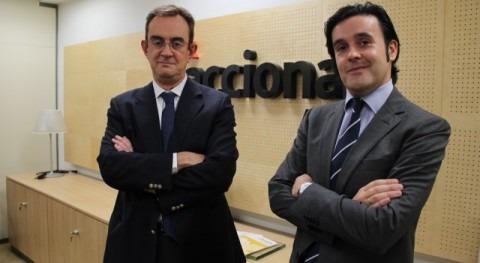 Luis Castilla y Alejandro Maceira en las oficinas de Acciona Agua