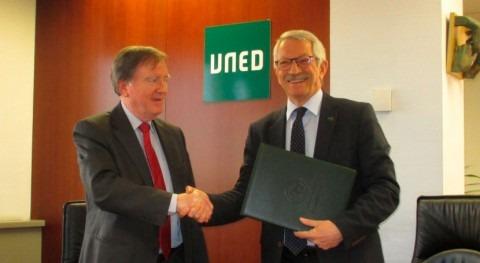 Acuerdo AEAS y Cátedra Aquae estudiar necesidades inversión sector agua