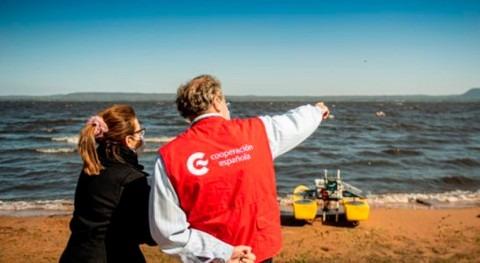 emplea drones acuáticos superficie monitorear contaminación Lago Ypacaraí