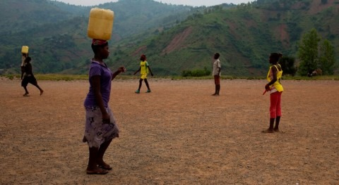 Beyoncé, comprometida llevar agua potable niños zonas remotas Burundi