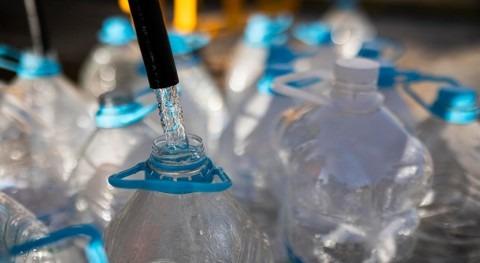estudio, agua embotellada tiene 3.500 veces más coste ambiental que agua grifo