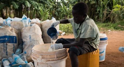 27 millones personas carecen agua potable países riesgo hambruna