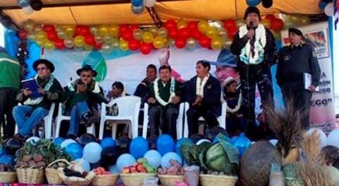 Gobierno boliviano entrega sistema riego Totora y asegura siembra época seca