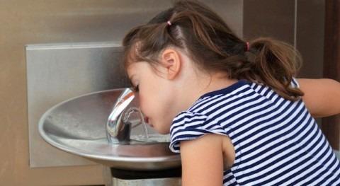 agua grifo, salud y servicio